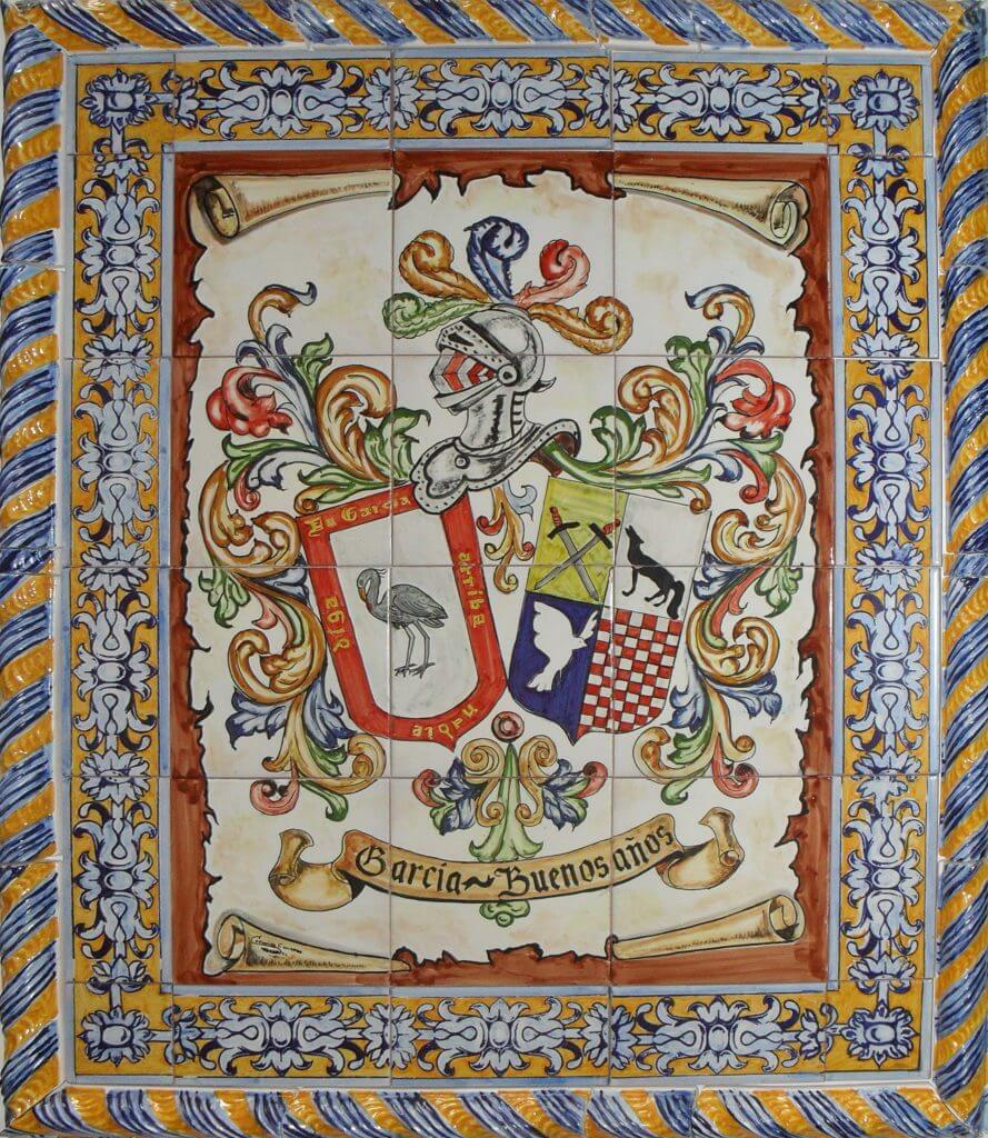 Azulejos con Heraldica y greca