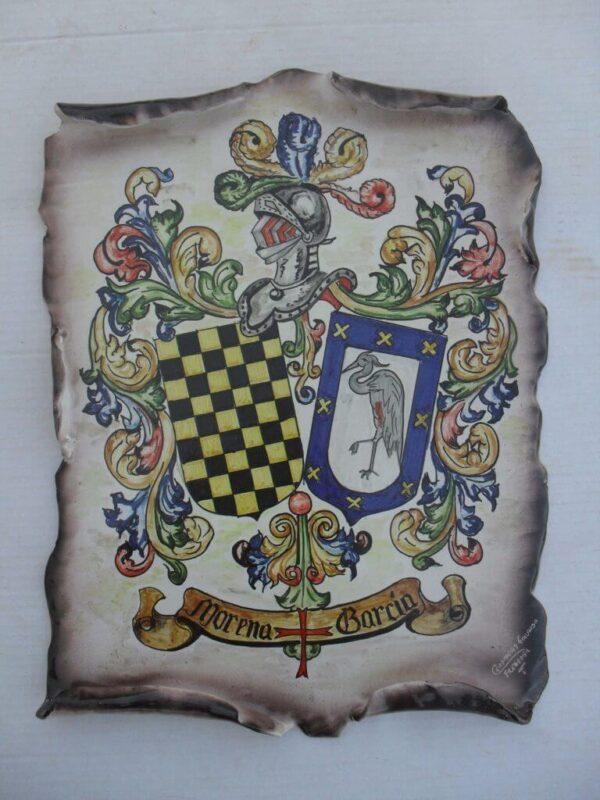 Escudo heráldico imitando pergamino
