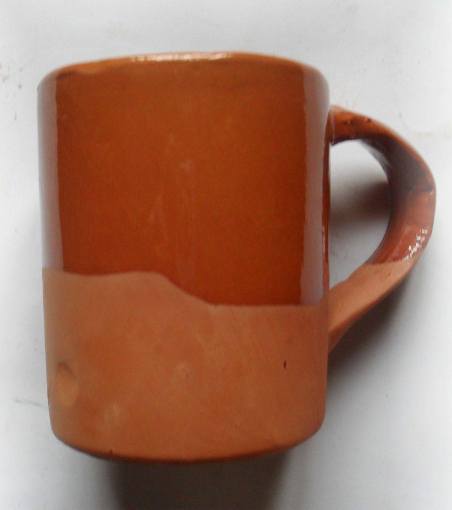 jarra de cerveza de barro