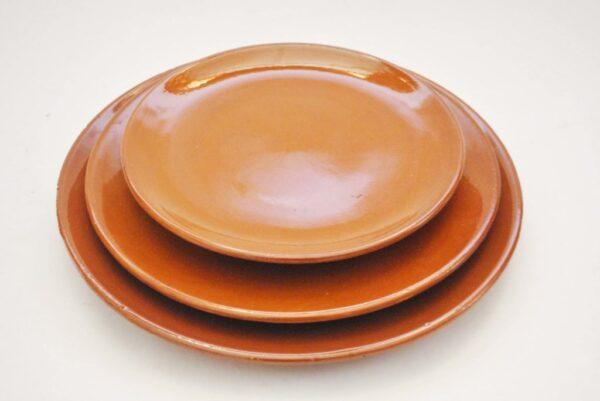 Platos de barro para hosteleria