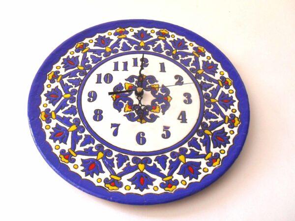 Reloj de pared de ceramica